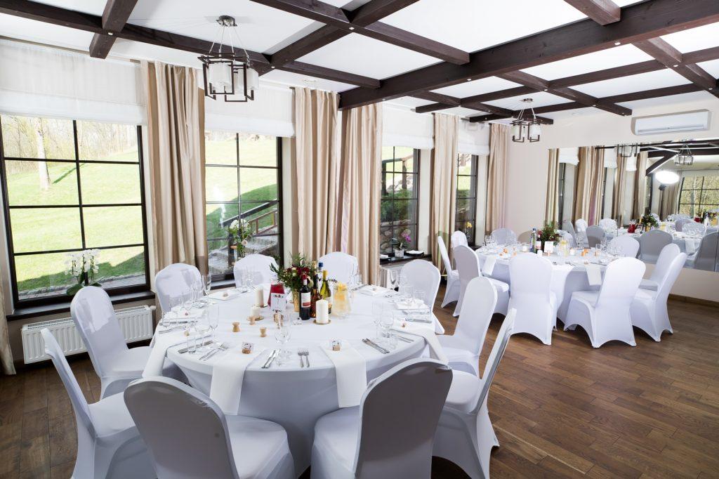 Apvalūs vestuvių stalai